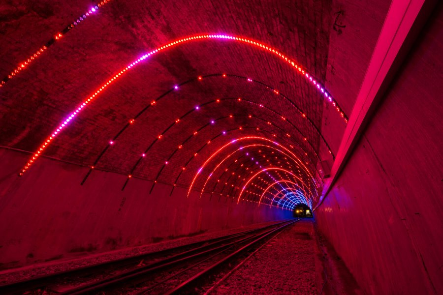 Tunnel vision light red