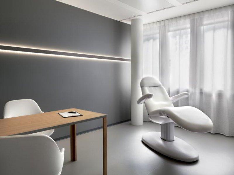Ein Behandlungszimmer.