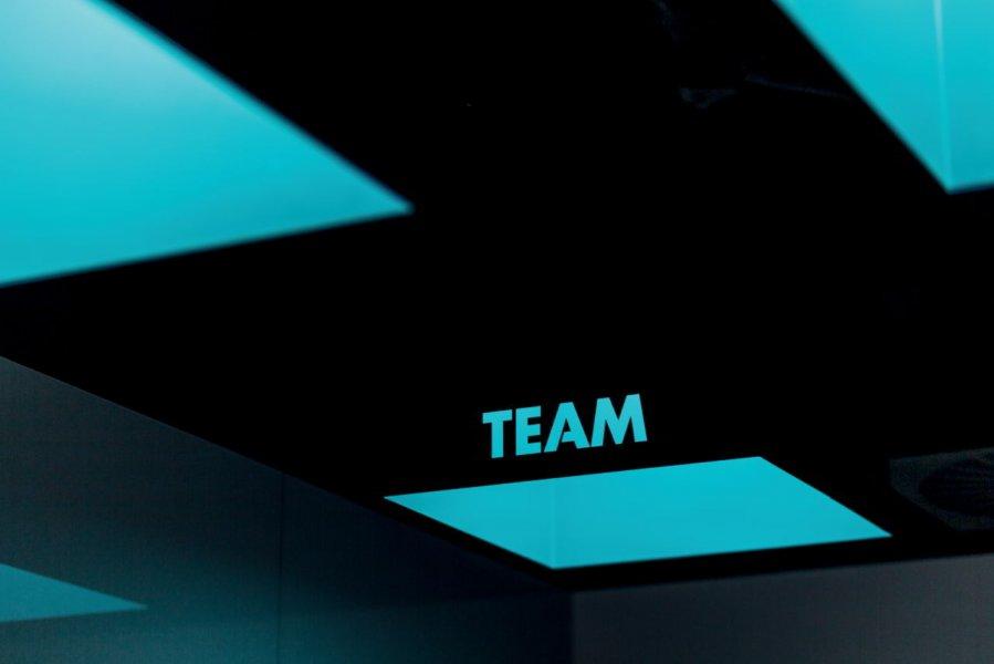Konferenzräume haben gesonderte Aufgaben für Mitarbeiter.